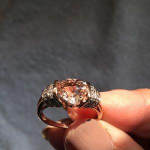 10K Solid Gold Beautiful Morganite Ring